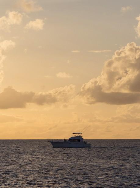 5_dinner-cruise-boat70