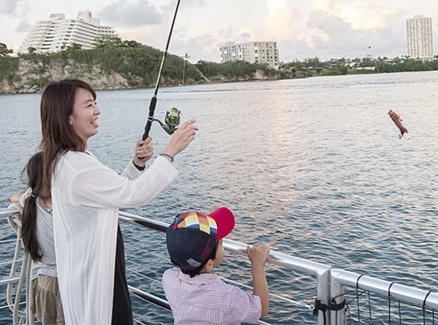 7_dinner-cruise-boat109